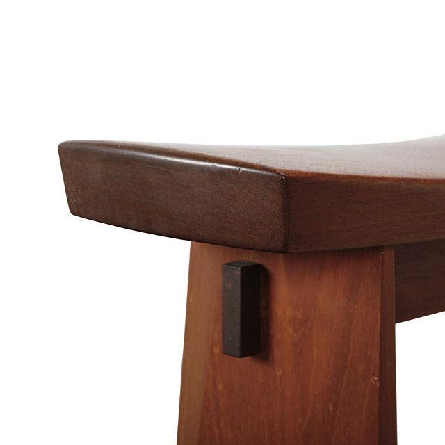 danskmobelkunstDetail of Japanese inspired stool. Designed by Hans Kempe, Swedish designer. #danskmøbelkunst #nordicdesign #swedishdesign #hanskempe #japaneseinspiration