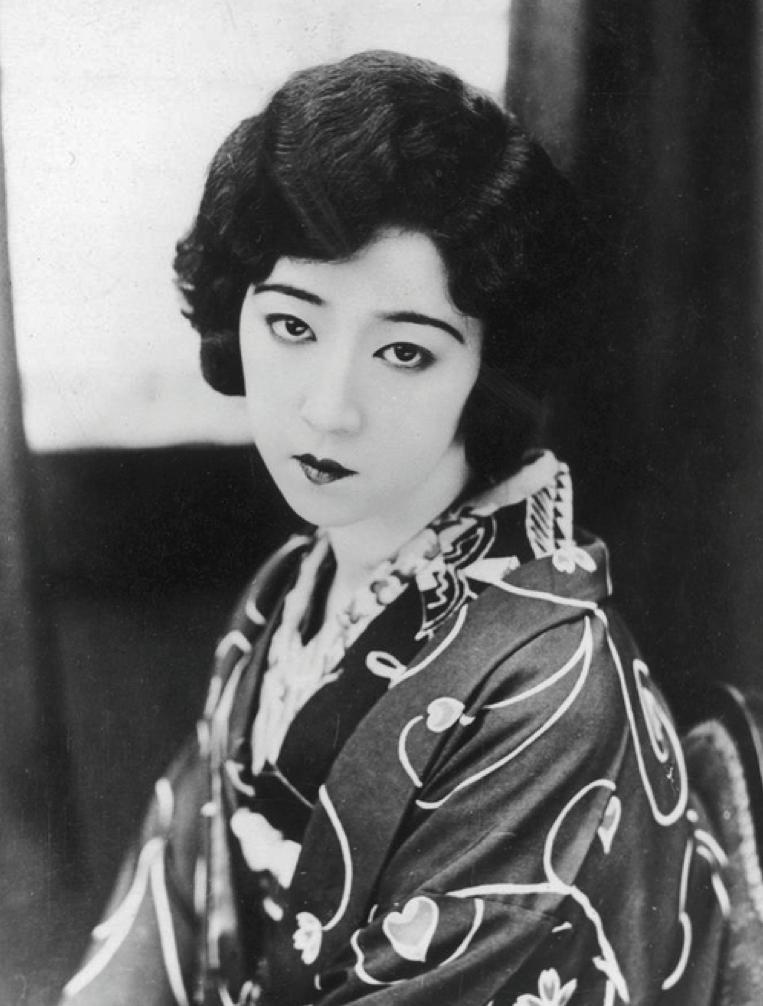 Tsukuba Yukiko 筑波雪子 (1906-1977) Japanese actress, Moga in kimono - 1920s