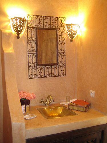 vasque en cuivre typique marocain | salle de bain en 2019 | Bathroom ...