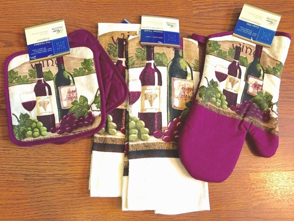 Superbe WINE Theme KITCHEN SET 5 Pc Towels Oven Mitt Potholders Purple Bottle  Grapes NEW #HomeCollection