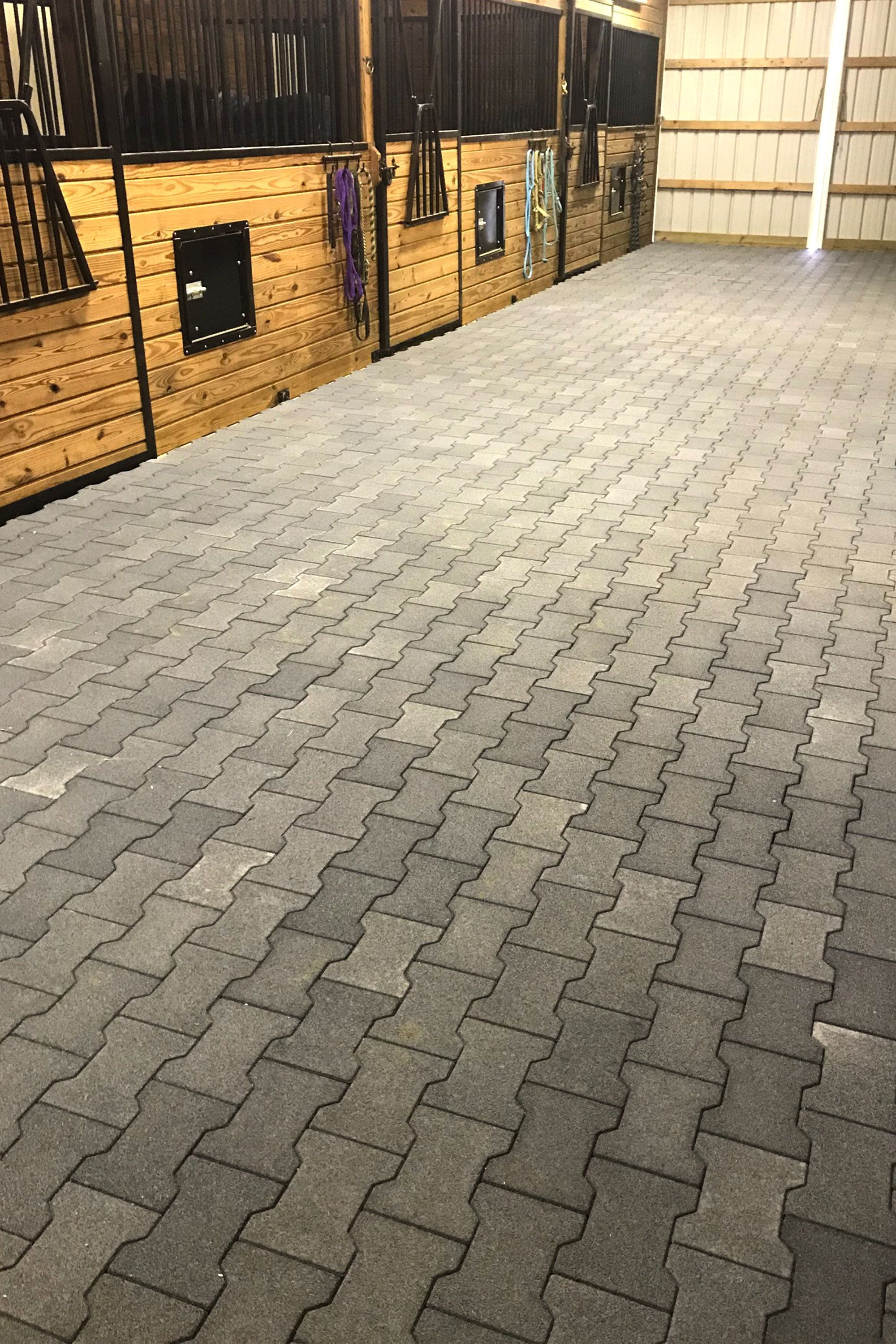 Solid Rubber Pavers Barn Aisle Flooring Barn Aisle Flooring Small Horse Barns Dream Horse Barns