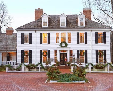 Colonial Christmas Decor Ideas Colonial House Exteriors Colonial Style Homes Colonial House