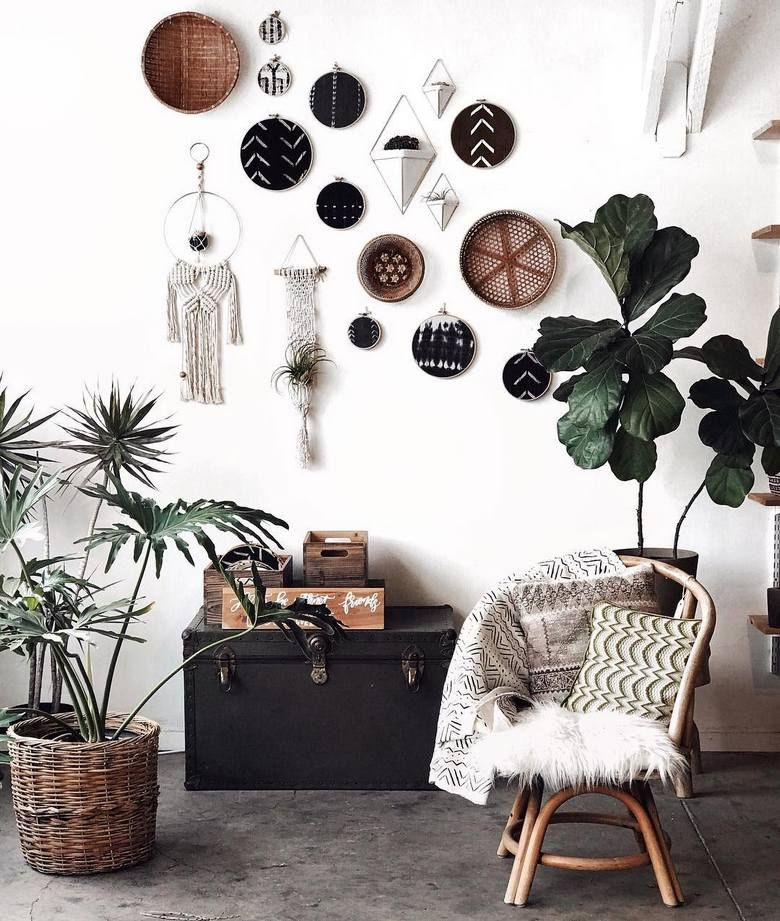 The Wonderful Bohemian Style House Decor Is Simply Impossible Without Having A Focus On The Wall S Decoration This Captivati Boho Style Decor Home Decor Decor