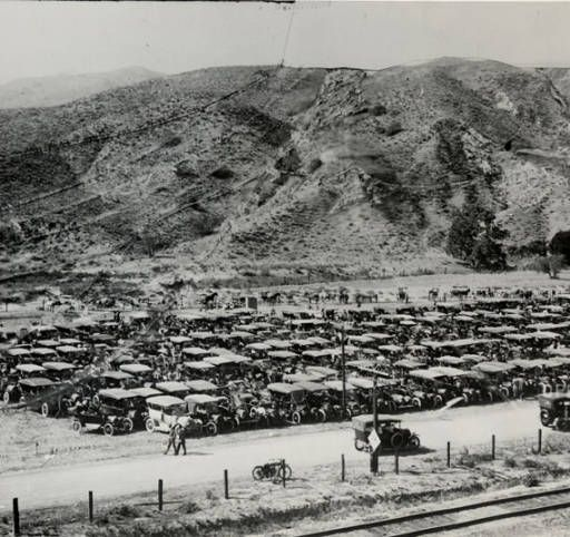 Opening Day Of The Los Angeles Aqueduct November 5 1913 San Fernando Valley History San Fernando Valley California History Los Angeles