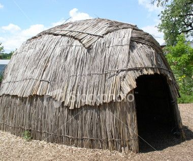 photos of algonquin indians | The Algonquins lived in houses made ...