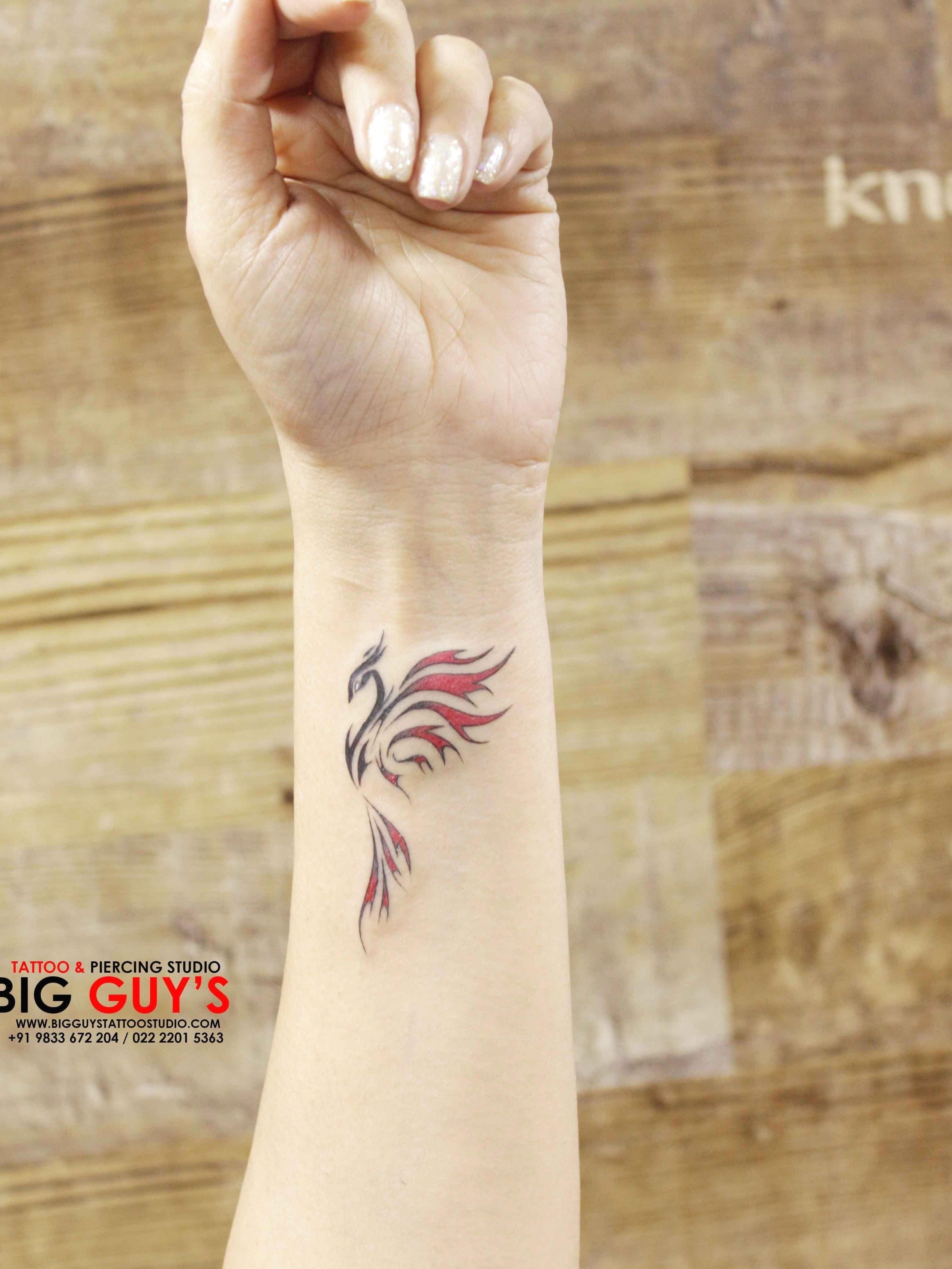 33 Cool Small Wrist Tattoos For Guys – Wrist Desig