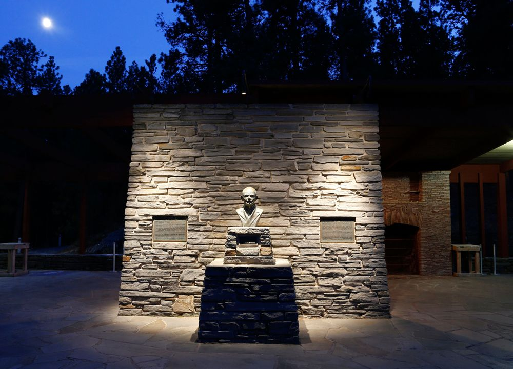 Bk Lighting Outdoor Statue Lighting Landscape Lighting Exterior Lighting Outdoor Statues