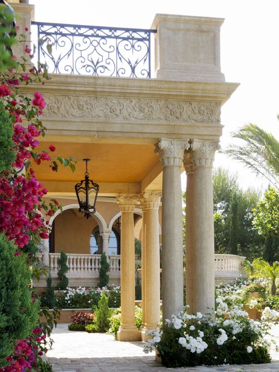 pin von tana holly auf backyard pinterest balkon g rten mediterran und fassaden. Black Bedroom Furniture Sets. Home Design Ideas