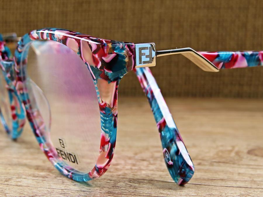 Armacao De Oculos Fendi Florida Detalhado Com Com Imagens