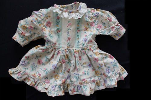 romantisches-Puppenkleid-Kuenstlerpuppe-unbespielt-Handarbeit-Puppe-bis-ca-45cm