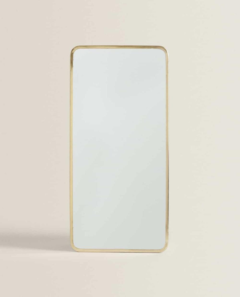 Goudgele Rechthoekige Spiegel In 2020 Spiegel Badkamer Spieg