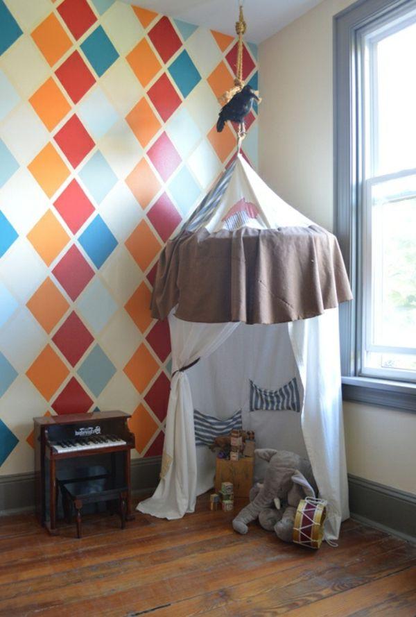 Charmant Spiel Häuschen Und Kleines Klavier Im Zimmer Mit Bunter Wandfarbe   62  Kreative Wände Streichen Ideen U2013 Interessante Techniken