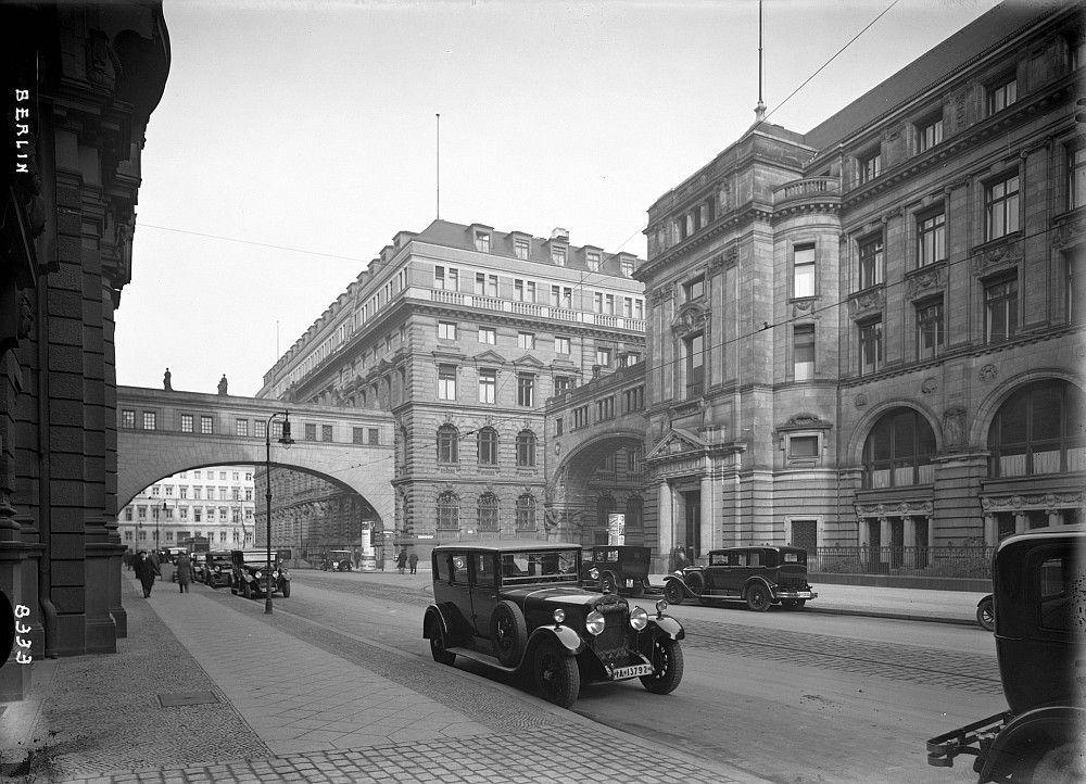 Mauerstrasse Hauptgebaude Der Deutschen Bank Alte Bilder Berlin Geschichte Berlin