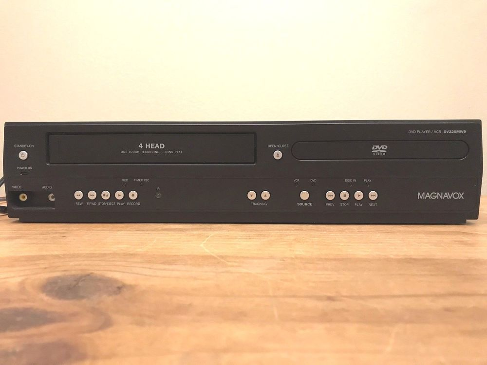 Magnavox DVD VCR Player DV220MW9 Stereo VHS Player Recorder