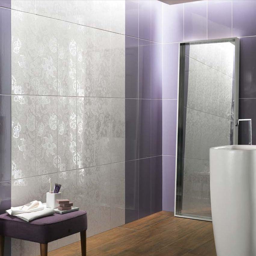 Decori piastrelle bagno bagno con decorazioni dorate with for Piastrelle con decori