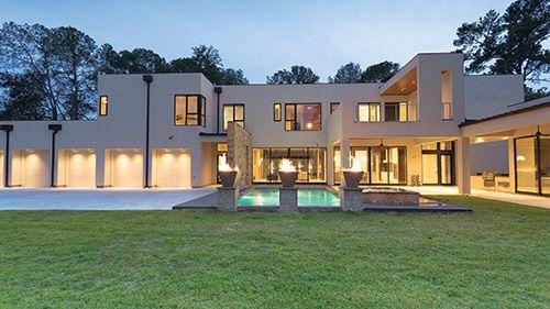 Casa granda tipo mansión con dos albercas azules y con piedra - Buscar con Google