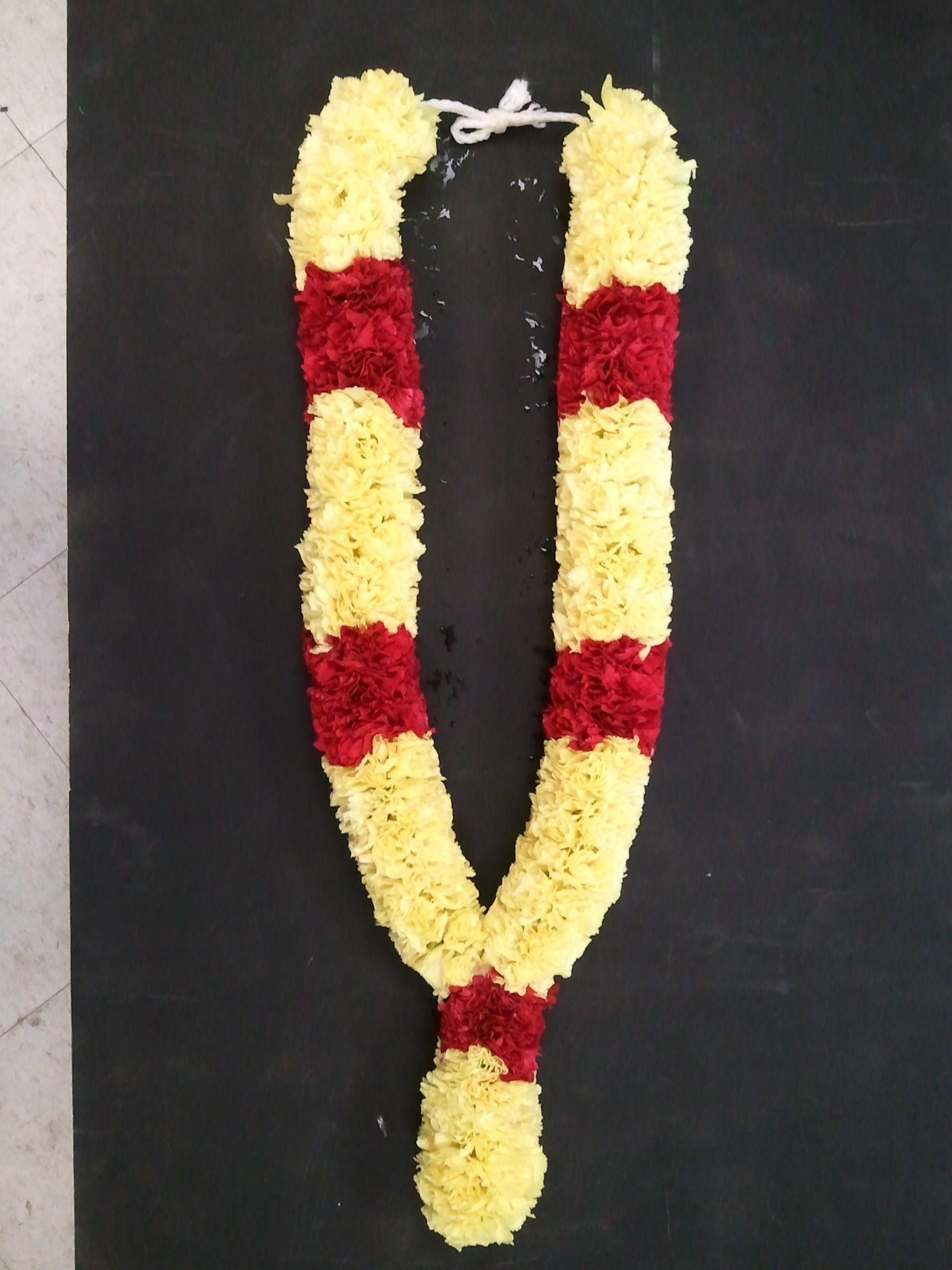 Itflowers Com Cg1 Png Jpg 1920 2560 Flower Garland Wedding Indian Wedding Garland South Indian Wedding