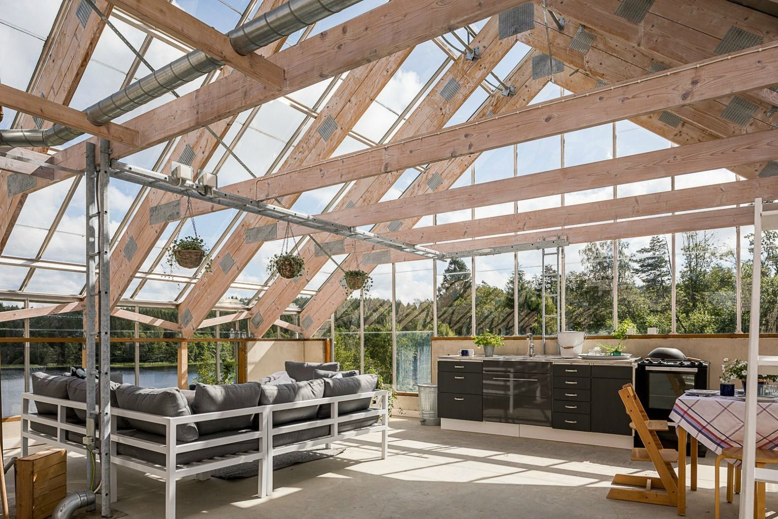 Gorgeous Solar Powered Greenhouse Home In Sweden Hits The Market Interior I Lifestyle - Haus Im Gewächshaus