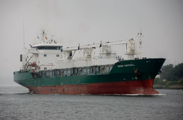22 mei 2016 op het Noordzeekanaal onderweg naar Zijkanaal A  GREEN AUSTEVOLL  http://koopvaardij.blogspot.nl/2016/05/voormalige-wisida-nordic.html