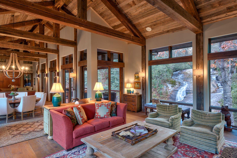 ruheort am rande eines flusses: dieses ländliche haus am rande, Wohnzimmer dekoo