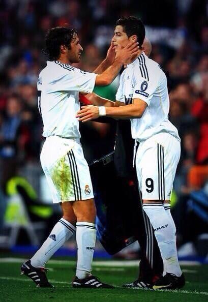 Raúl And Cr9 Cristiano Ronaldo Fotos Del Equipo De Fútbol Raul Gonzalez Blanco Fotos De Fútbol