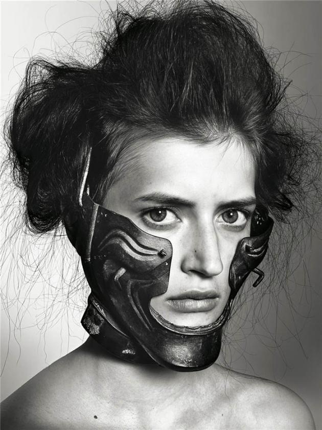 Livraison by Richard Burbridge. A stunning collection of portraits of women wearing masks #mask #masque #maschera #head - Carefully selected by GORGONIA www.gorgonia.it