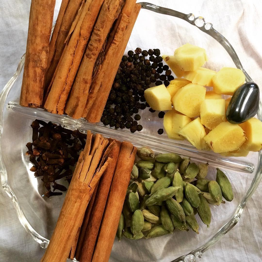 Libran lunar eclipse yogi tea with hematite is brewing on