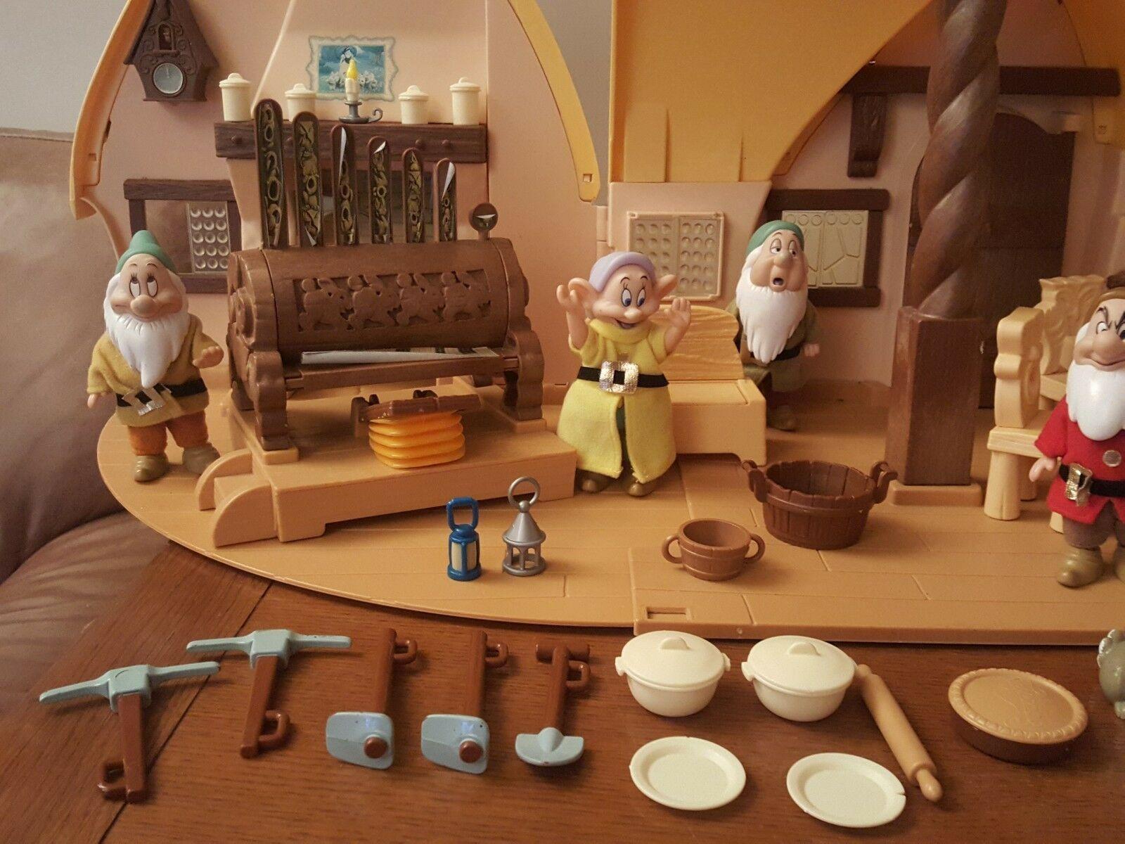 Disney Store Snow White & The 7 Dwarves Play Cottage Dolls