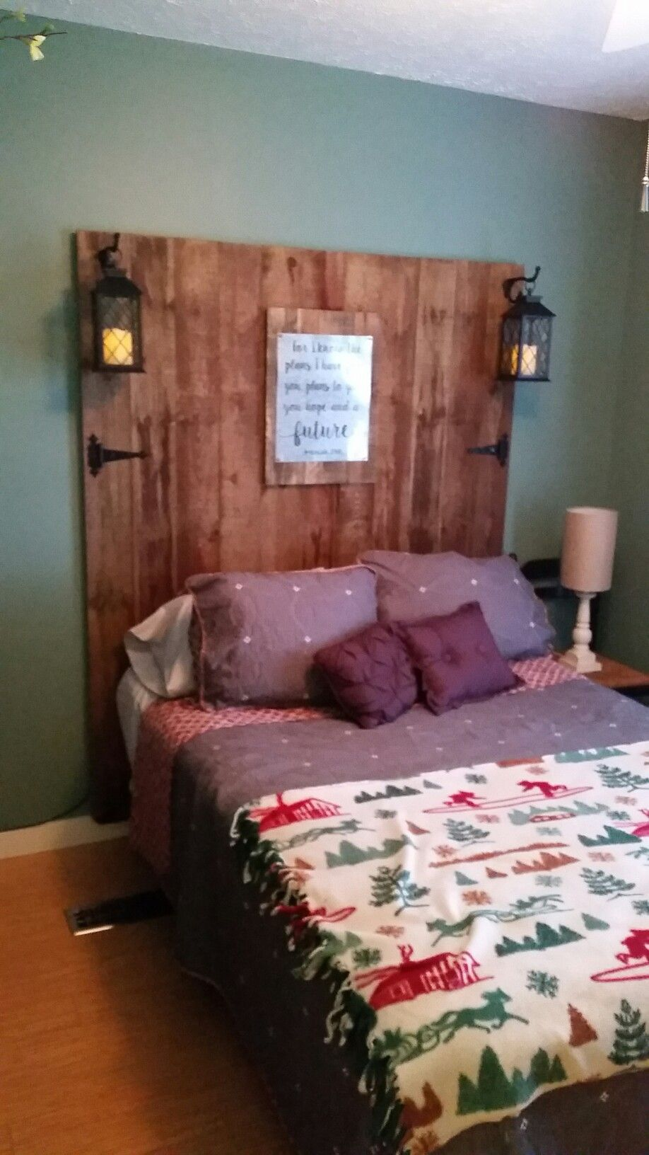 Diy rustic country headboard made from dogeared fence