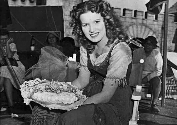 Maureen O'Hara, On the set of Hunchback of Notre Dame 1938