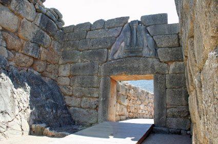 Porta dei leoni ca 1300 a c micene era una delle due - La porta dei leoni a micene ...
