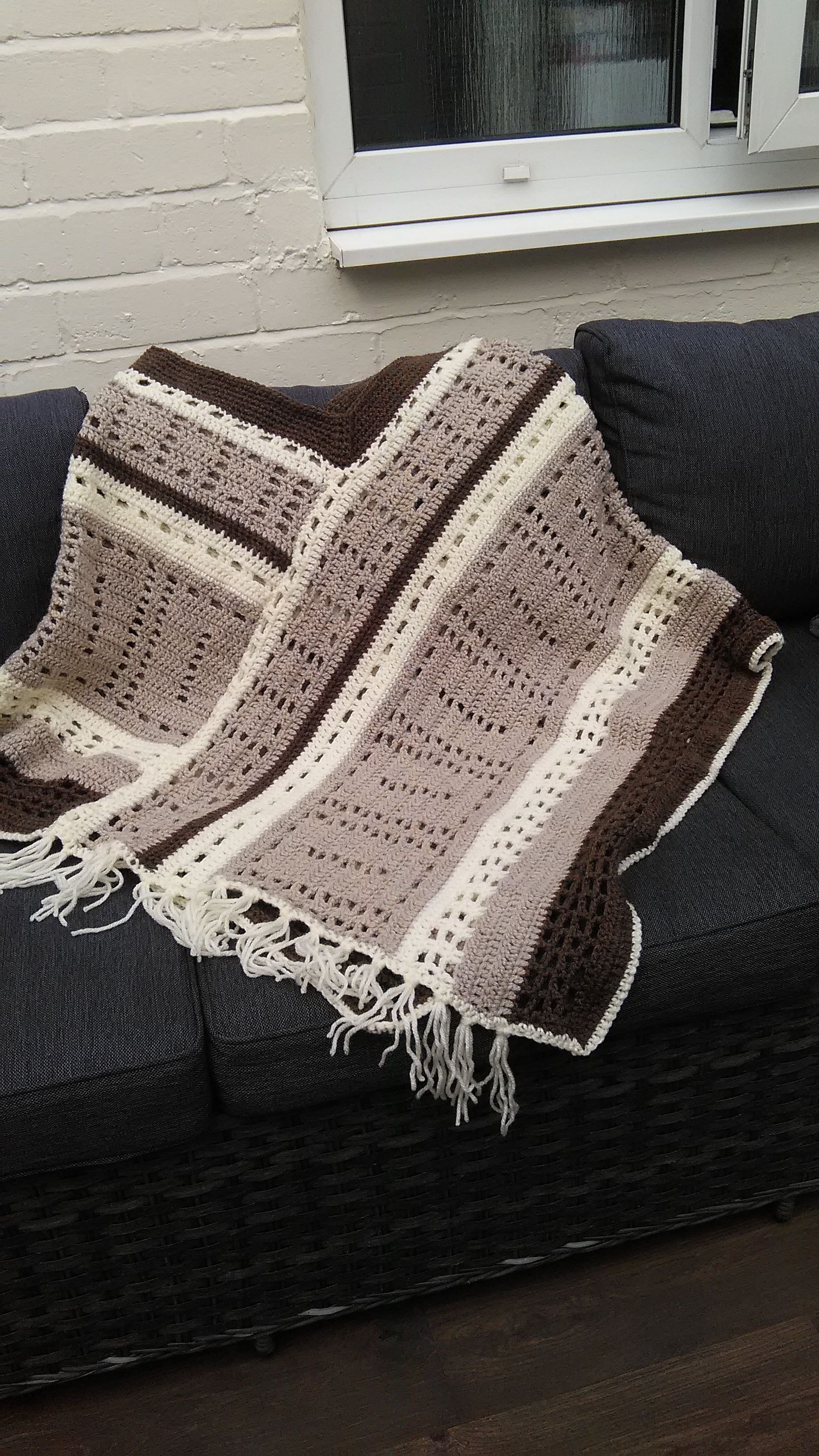 a79536ccc789 finished this crocheted poncho took me 5 attempts to work out the pattern  as it was