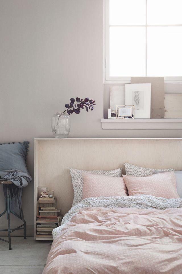 Chambre Aux Nuances Douces, Rose Poudré Et Blanc Cassé