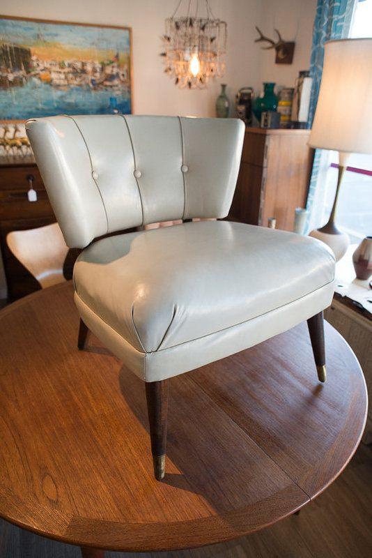 Beautiful Mid Century Original Kroehler White Slipper Chair In Newport Beach, CA, USA  ~ Krrb