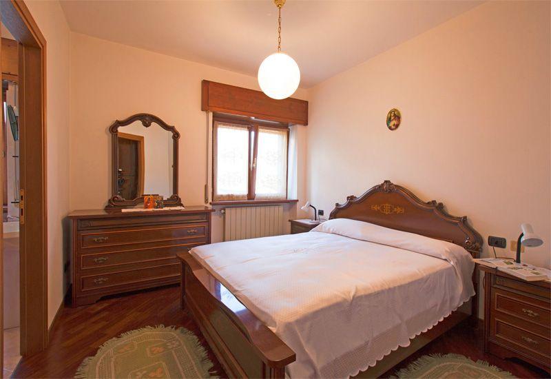 Camera Matrimoniale A Bergamo.Appartamento Barber Palazzo R H Ome Castione Della Presolana