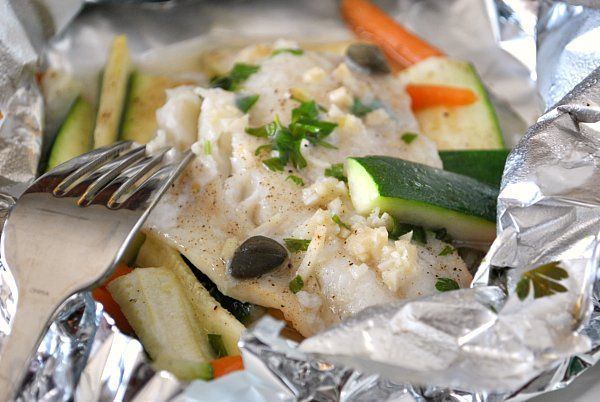 Quick baked cod foil packets not only quick to make but for Fish foil packets oven