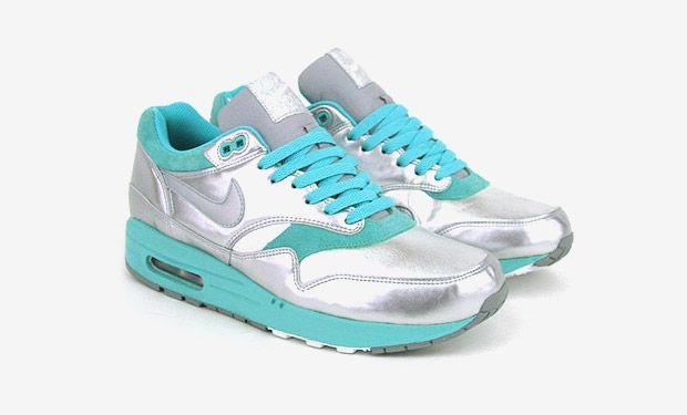 Nike Womens Air Max 1 – Metallic Silver/Turquoise Colorway