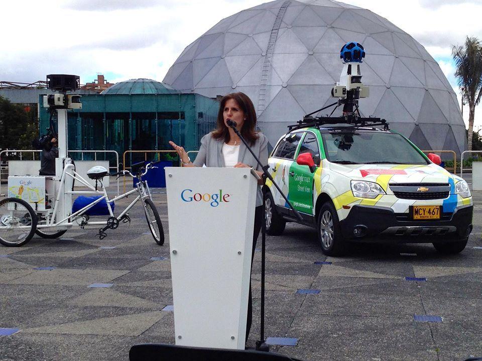 Google Street View es una realidad en Colombia.   La nueva plataforma permitirá caminar en 360 grados por las calles de 21 ciudades y 114 sitios de interés.  Pueden probarlo desde ya en: https://maps.google.es/  Foto cortesía El Tiempo.