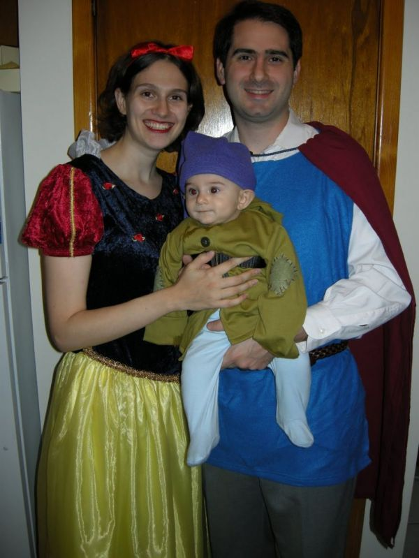 20 Fun And Creative Halloween Costume Ideas For Families - Neatorama  sc 1 st  Pinterest & 20 Fun And Creative Halloween Costume Ideas For Families - Neatorama ...