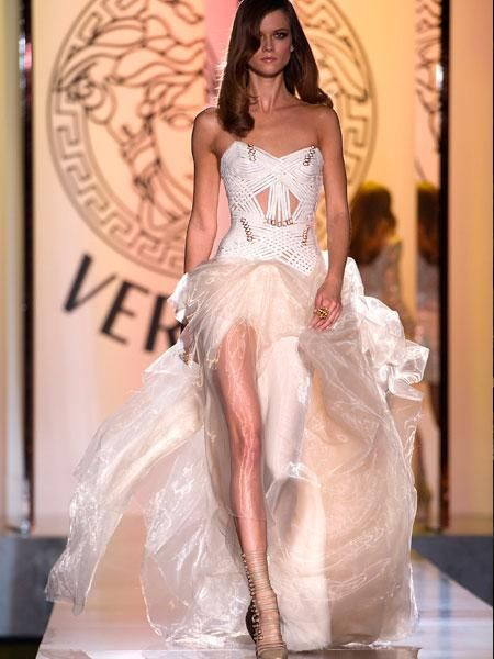 Vestido de noiva Versace / Foto Getty Images | All that Glitters ...