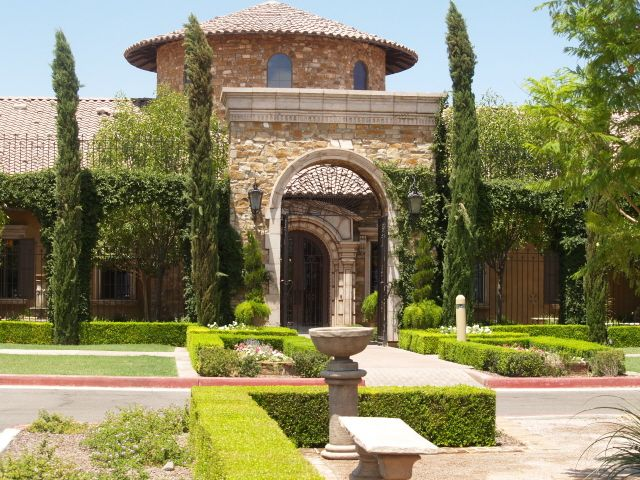 Have a tuscan garden wedding at the stunning villa siena 890 west tuscan garden wedding locations in arizona junglespirit