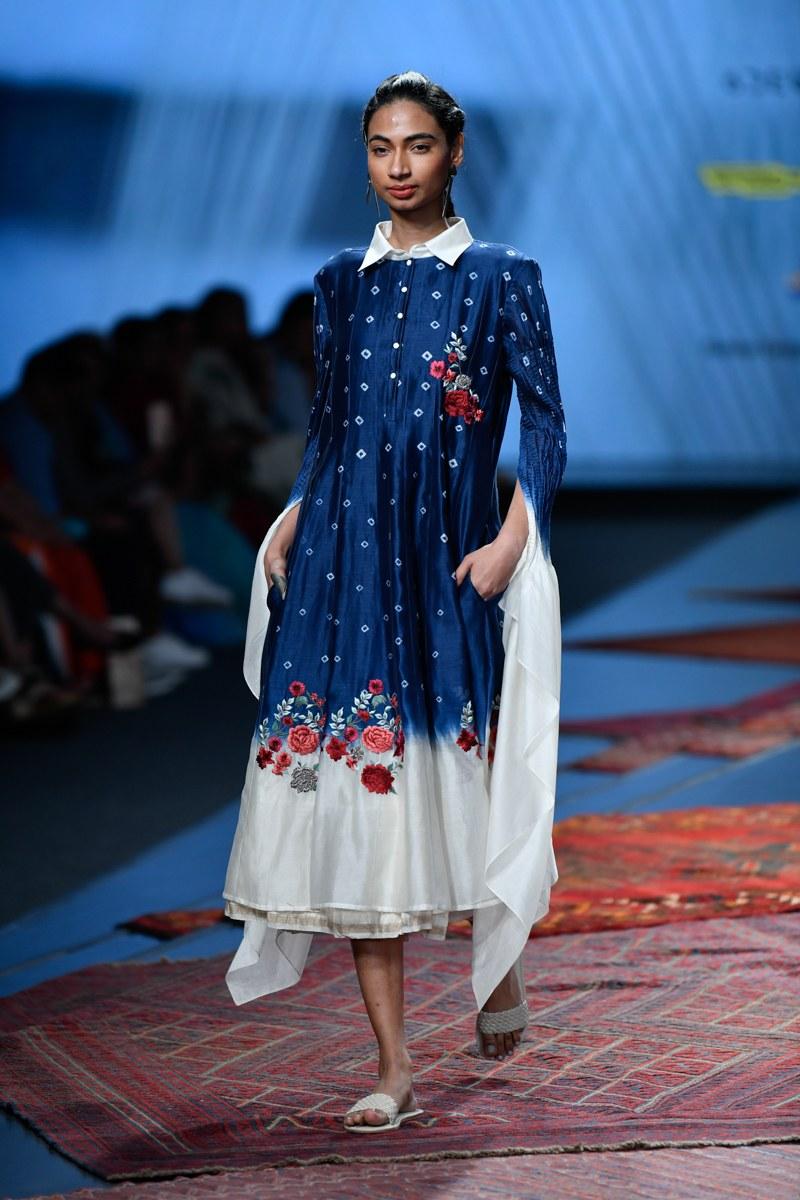 Pramaa By Pratima Pandey At Lotus Make Up India Fashion Week Spring Summer 2020 Page 2 Vogue Ind Fashion Week Dresses India Fashion Designer Dresses Indian