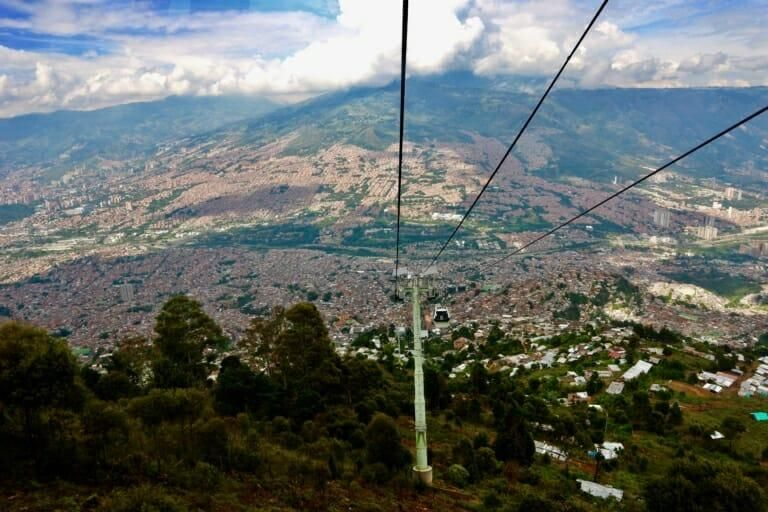 TRAVELING TO MEDELLIN, COLOMBIA GUIDE IT'S SAFE, GO