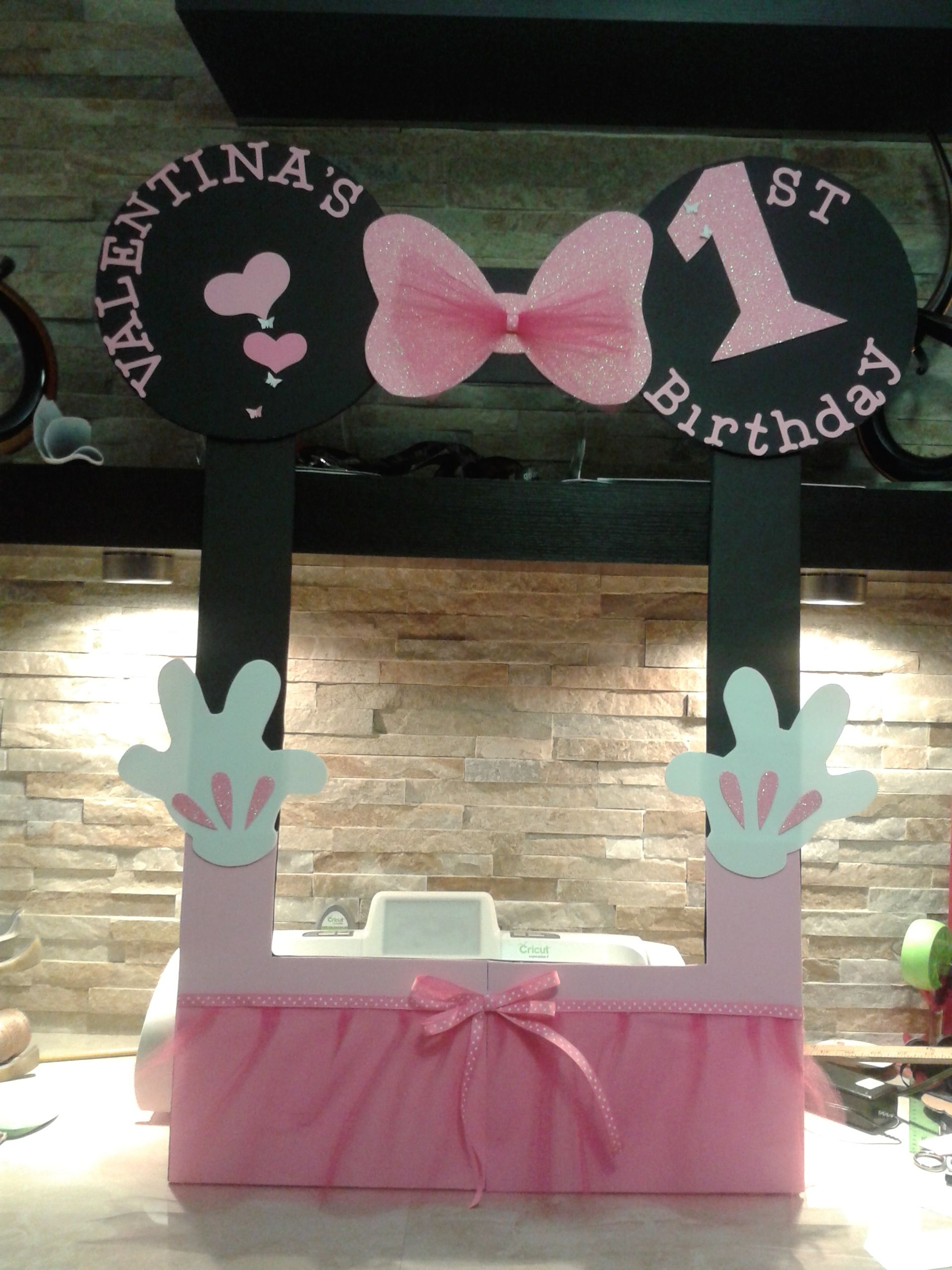 Minnie Mouse adorable photo booth frame, 100% handmade with care and ...