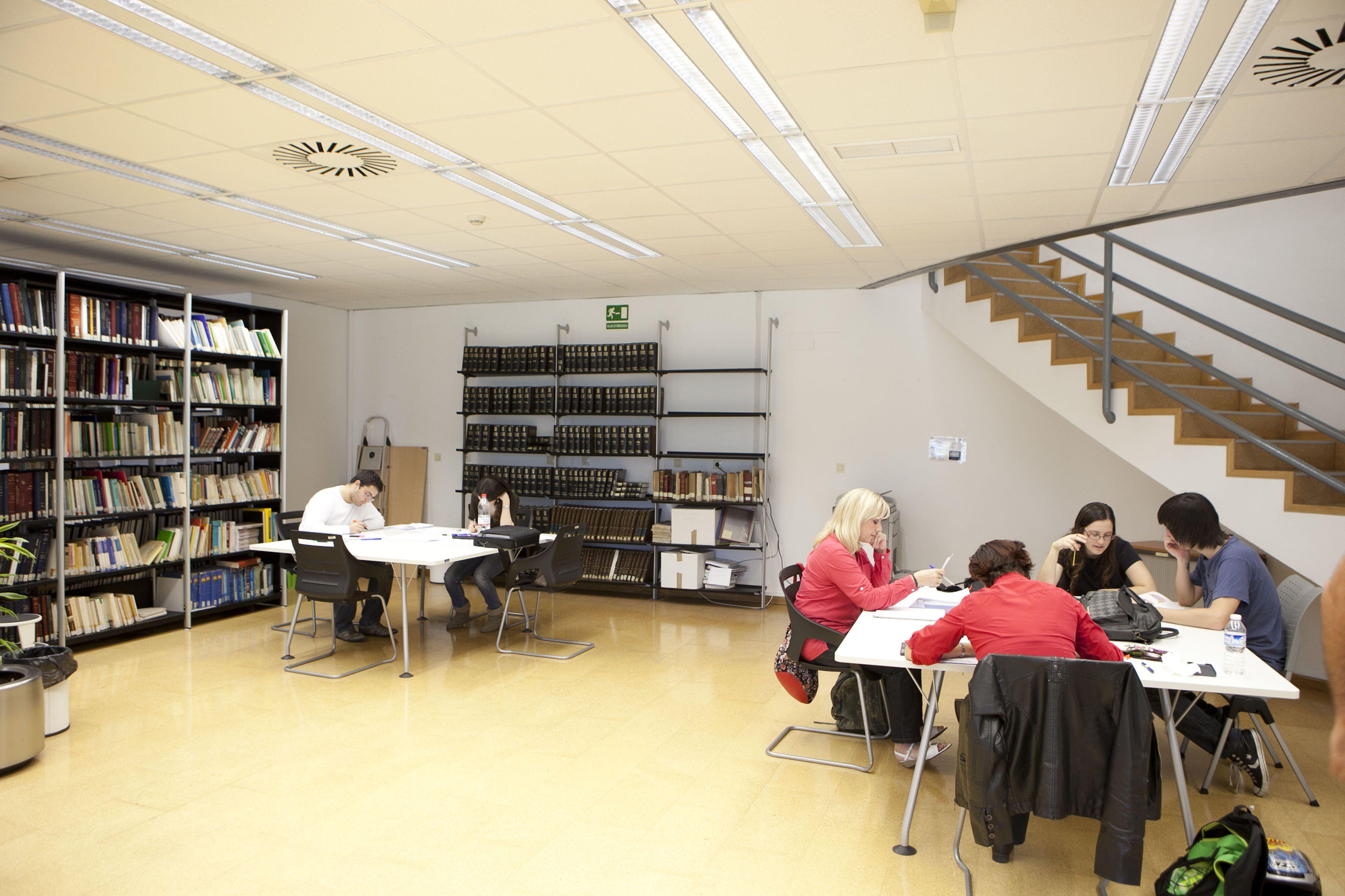 Espacios de estudio en el campus de Sant Joan d'Alacant #UMH.