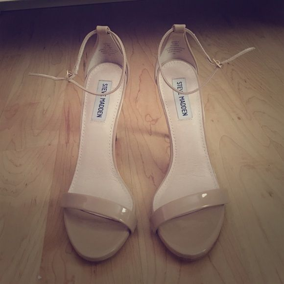 Steve Madden Women's Stecy Sandal Blush Sz 7.5 Nude Steve Madden delicate heels. Worn around house once or twice. I do not have the original box, so they would come in a Michael Kors one! Steve Madden Shoes Heels