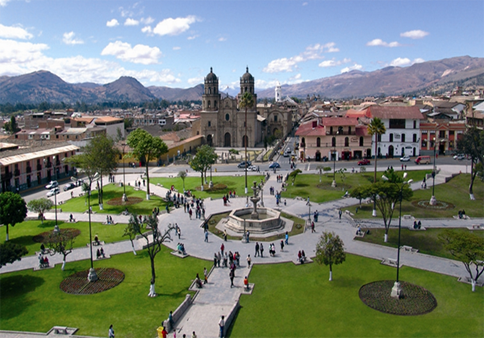Hermosa Plaza Mayor de Cajamarca-Perú