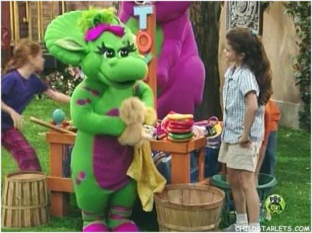 Pin By Jason Bowen On Selena 0204 Barneyfriends Selena Gomez