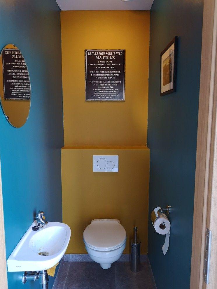 Decoration Toilettes Jaune Moutarde Et Bleu Canard Decoration Toilettes Idee Deco Toilettes Idee Toilettes
