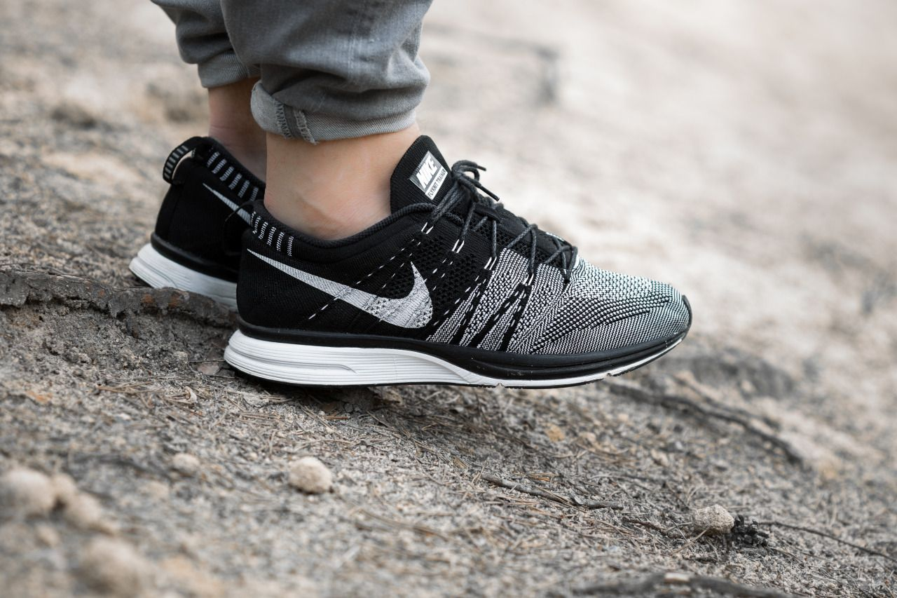befbe16e0a inexpensive nike flyknit trainer white and black mold 93c9d a3d45